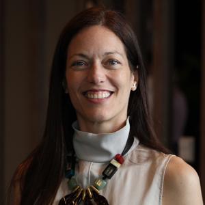 Cristina Gil White